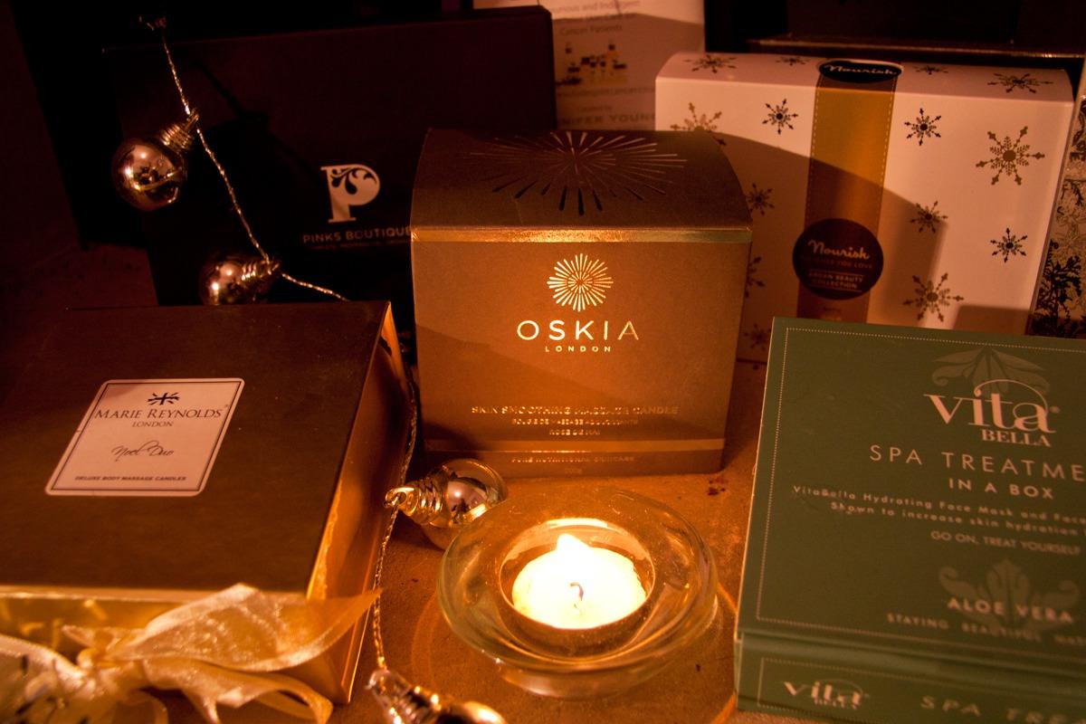 oskia Skin Smoothing Massage Candle
